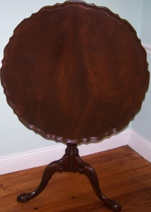 Antique Pie Crust Tilt Top Table