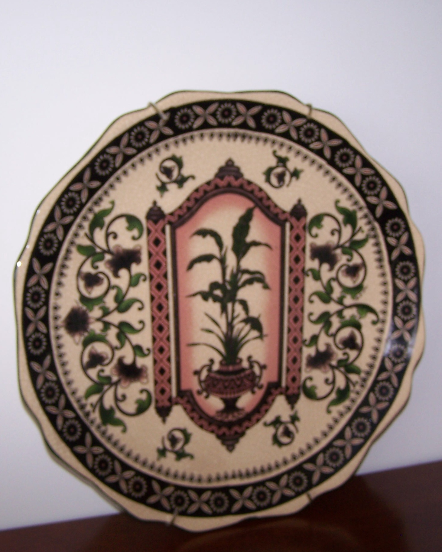 Decorative Plate With Wall Hanger